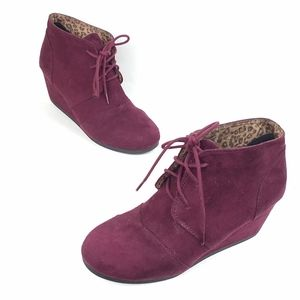 City Classified Burgundy wedge booties